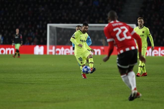 PSV vs Barca anh 19