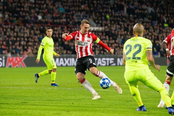 PSV vs Barca anh 10