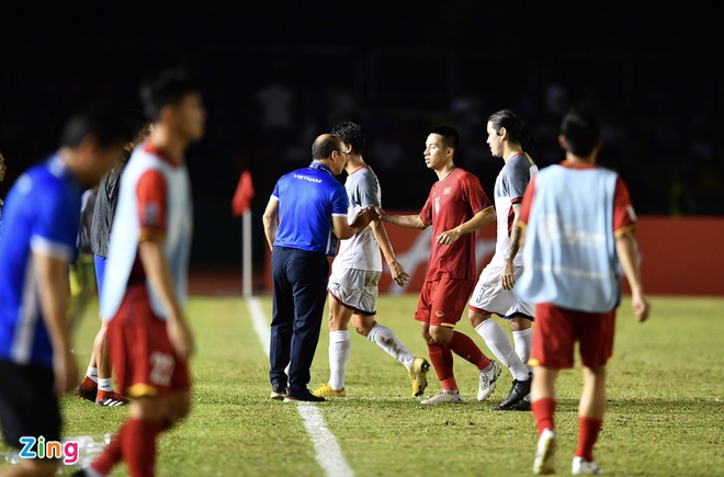 Philippines vs Viet Nam (1-2): Anh Duc va Van Duc toa sang hinh anh 45