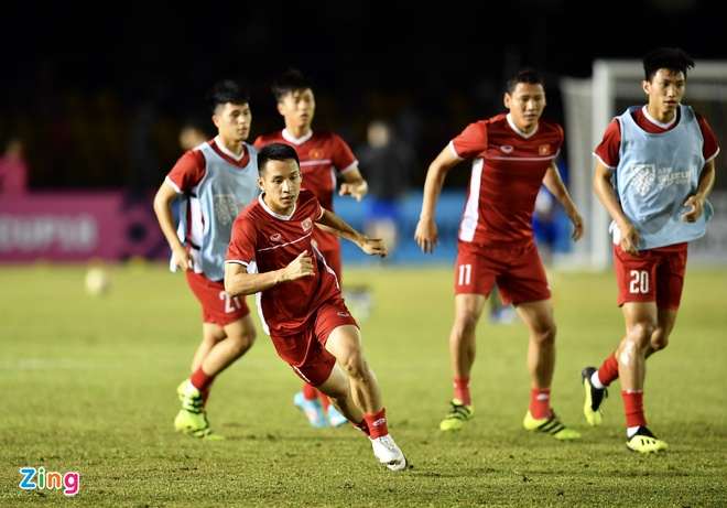 Philippines vs Viet Nam (1-2): Anh Duc va Van Duc toa sang hinh anh 29