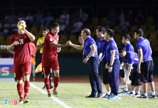 Philippines vs Viet Nam (1-2): Anh Duc va Van Duc toa sang hinh anh 35