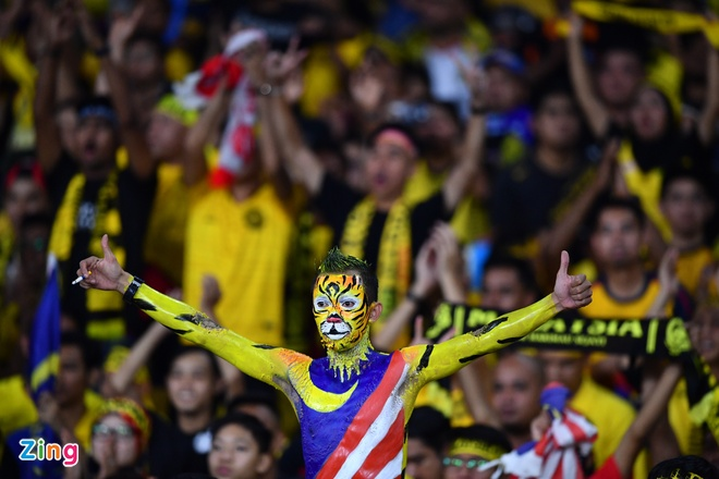 Malaysia vs Viet Nam (2-2): Danh roi chien thang day tiec nuoi hinh anh 28