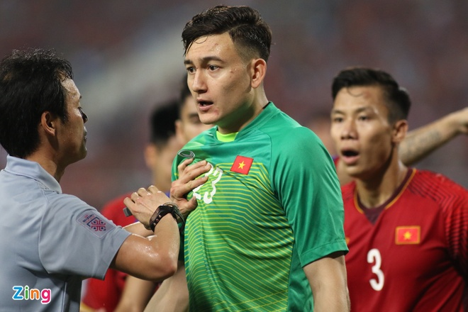 Malaysia vs Viet Nam (2-2): Danh roi chien thang day tiec nuoi hinh anh 17