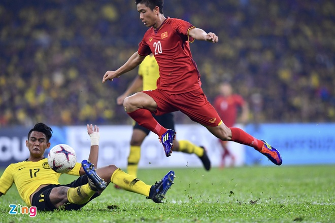 Malaysia vs Viet Nam (2-2): Danh roi chien thang day tiec nuoi hinh anh 48
