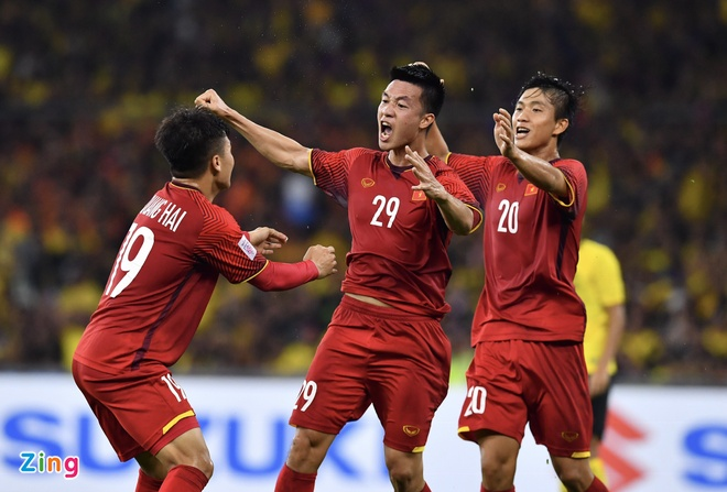 Malaysia vs Viet Nam (2-2): Danh roi chien thang day tiec nuoi hinh anh 40