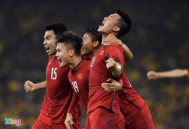 Malaysia vs Viet Nam (2-2): Danh roi chien thang day tiec nuoi hinh anh 41