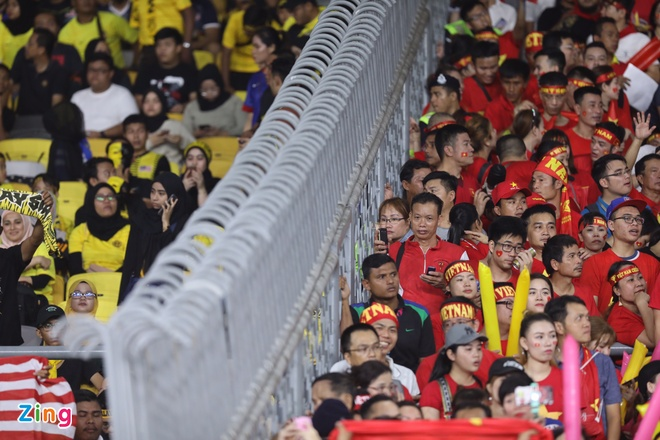 Malaysia vs Viet Nam (2-2): Danh roi chien thang day tiec nuoi hinh anh 21