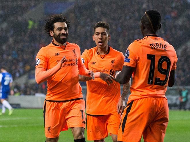 Salah ghi ban, Liverpool tro lai ngoi dau bang Premier League hinh anh 3