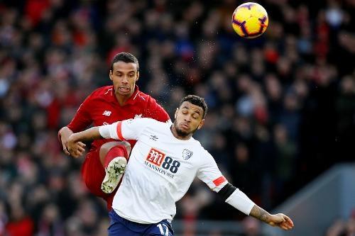 Salah ghi ban, Liverpool tro lai ngoi dau bang Premier League hinh anh 15