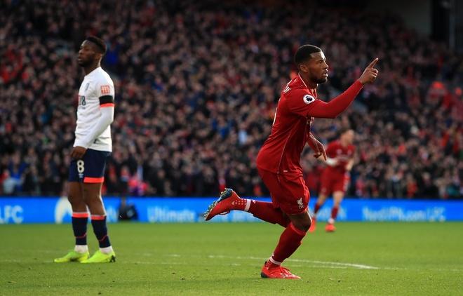 Salah ghi ban, Liverpool tro lai ngoi dau bang Premier League hinh anh 22
