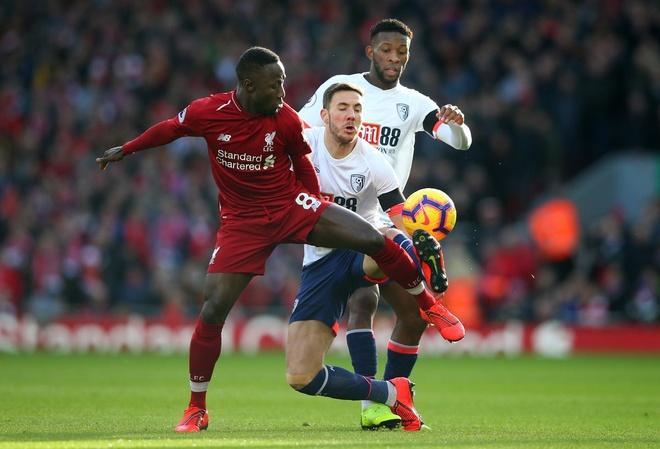 Salah ghi ban, Liverpool tro lai ngoi dau bang Premier League hinh anh 27