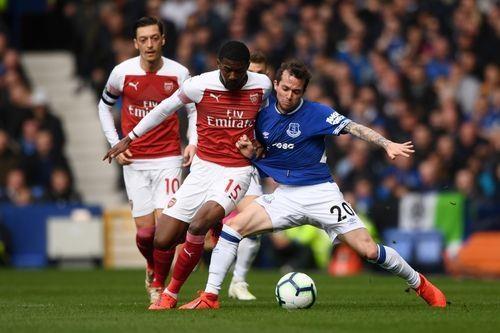 Arsenal thua Everton 0-1, bo lo co hoi len top 3 hinh anh 14