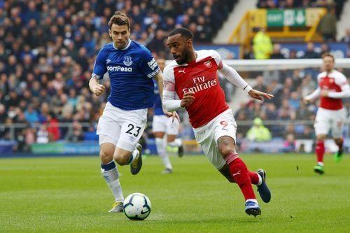 Arsenal thua Everton 0-1, bo lo co hoi len top 3 hinh anh 15