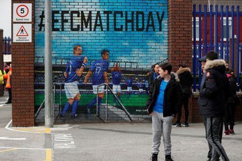 Arsenal thua Everton 0-1, bo lo co hoi len top 3 hinh anh 4