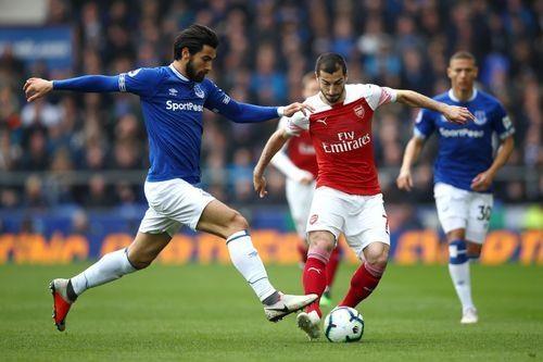 Arsenal thua Everton 0-1, bo lo co hoi len top 3 hinh anh 11