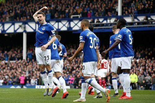 Arsenal thua Everton 0-1, bo lo co hoi len top 3 hinh anh 12
