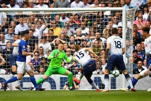 MU thua 0-2 o tran dau khep lai Premier League mua giai 2018/19 hinh anh 18