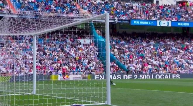 Real Madrid 0-2 Real Betis: Gareth Bale cuoi dua du doi nha thua hinh anh 9