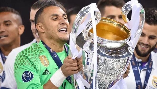 Real Madrid 0-2 Real Betis: Gareth Bale cuoi dua du doi nha thua hinh anh 5