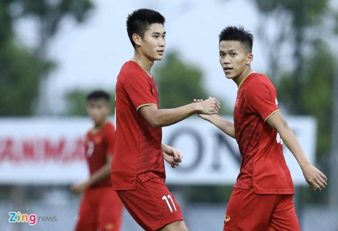 U22 Viet Nam vs CLB Kitchee (2-0): Martin Lo, Tran Danh Trung ghi ban hinh anh 2