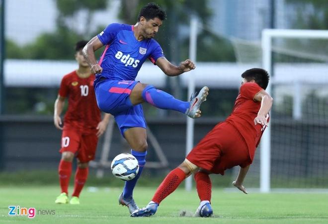 U22 Viet Nam vs CLB Kitchee (2-0): Martin Lo, Tran Danh Trung ghi ban hinh anh 3