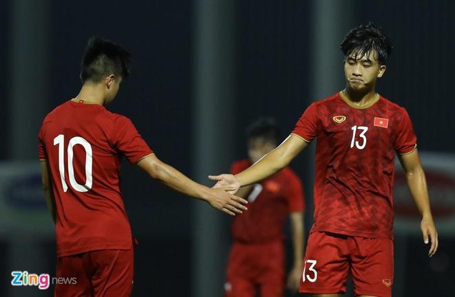 U22 Viet Nam vs CLB Kitchee (2-0): Martin Lo, Tran Danh Trung ghi ban hinh anh 9