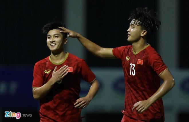 U22 Viet Nam vs CLB Kitchee (2-0): Martin Lo, Tran Danh Trung ghi ban hinh anh 10