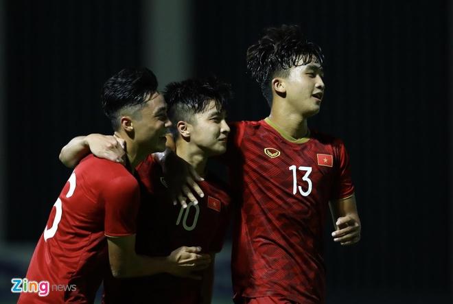 U22 Viet Nam vs CLB Kitchee (2-0): Martin Lo, Tran Danh Trung ghi ban hinh anh 12