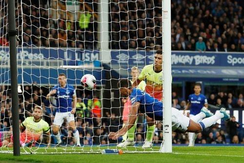 Everton vs Man City (1-3): Sterling, Mahrez ghi ban hinh anh 13