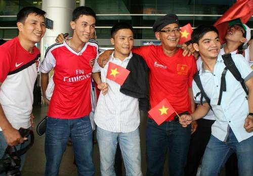 Phong vien khong chuyen lam fan Viet sung so ve U19 VN hinh anh