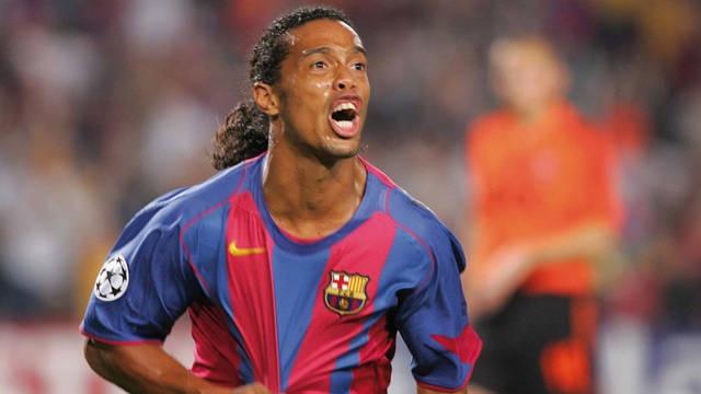 Ronaldinho - tu dua tre mo coi den huyen thoai the gioi hinh anh 3