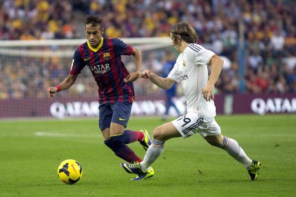 Hinh anh Real guc nga duoi chan Neymar hinh anh