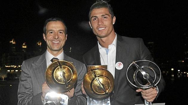 Ronaldo gianh cu dup danh hieu vao cuoi nam 2013 hinh anh