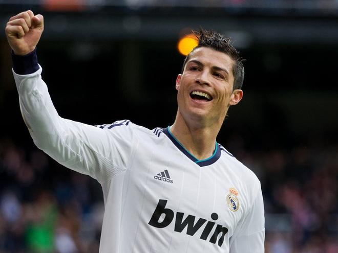 Diem tin 14/3: Ronaldo lai don danh hieu hinh anh