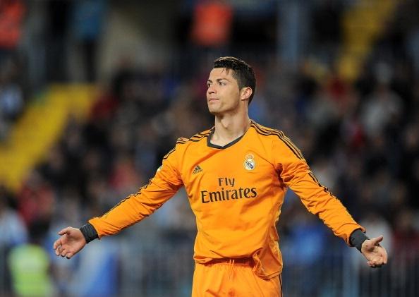 Doi hinh dat gia ket hop giua Real va Barca hinh anh 10