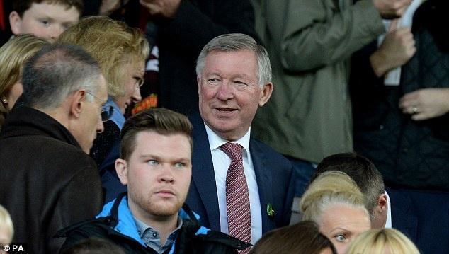"""Sir Alex, Beckham va Rooney noi gi ve David Moyes? hinh anh 1 """"Tôi muốn nhắc các bạn rằng, chúng ta cần phải có những thay đổi. Tôi đã gắn bó với đội bóng quá lâu. Toàn bộ nhân viên và các cầu thủ của tôi cũng vậy, họ cũng làm việc với tôi quá lâu. Do vậy, lúc này CLB là phải tìm một HLV mới. Điều này rất quan trọng!""""."""