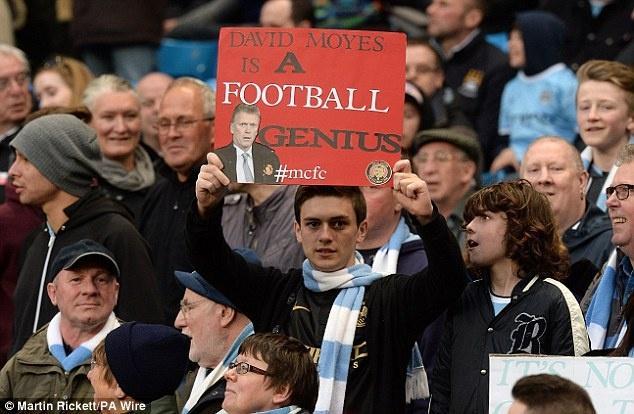 Fan Man City keu goi M.U khong nen sa thai David Moyes hinh anh 14