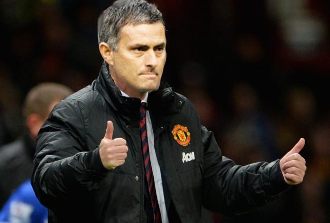 Diem tin 23/4: Mourinho can nhac kha nang dan dat M.U hinh anh