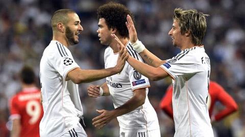 Real Madrid - Osasuna: Thang nhe cho Bayern hinh anh
