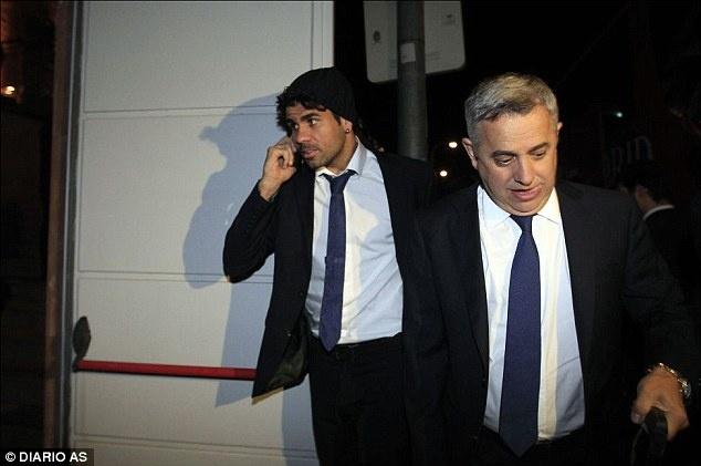 Chu tich Atletico: Khong nen co dua Diego Costa tro lai hinh anh