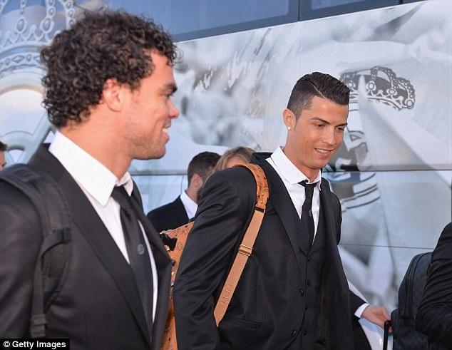 Nguoi dan Lisbon chay het minh cung Ronaldo hinh anh 3