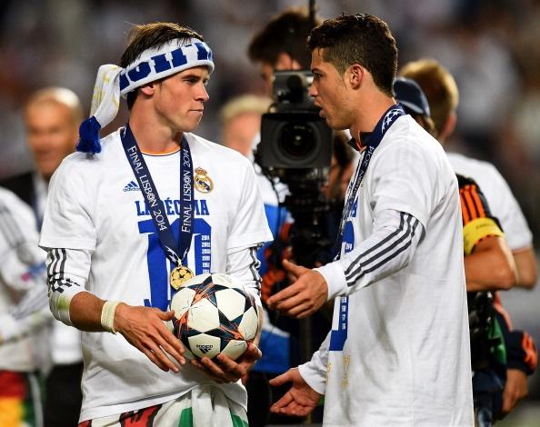 Man an mung chuc vo dich phan khich cua Ronaldo va dong doi hinh anh 9
