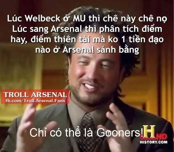 Anh vui Van Gaal khien doi thu chu quan de cuop Falcao hinh anh 11 Fan Arsenal chê Welbeck ỉ ôi khi cầu thủ này ở M.U. Tuy nhiên, họ lại khen chân sút người Anh nức nở khi