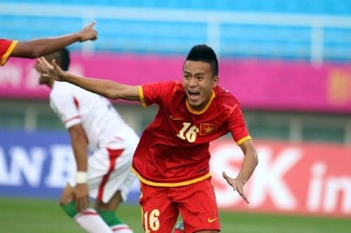 Olympic Viet Nam 4-1 Iran: Dia chan tren dat Han hinh anh 7
