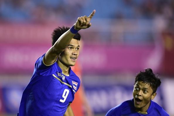 Ha Trung Quoc 2-0, Thai Lan hien ngang tien vao tu ket ASIAD hinh anh