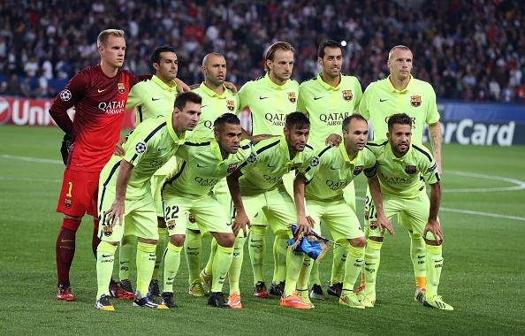 10 CLB so huu doi hinh dat gia nhat the gioi hinh anh 2 Kình địch của Real Madrid, Barcelona xếp ở vị trí thứ hai với tổng giá trị đội hình là 611 triệu euro. Ngoài cầu thủ được định giá cao nhất thế giới là Lionel Messi (120 triệu euro), Barca còn sở hữu những siêu sao khác như Neymar (70 triệu euro), Luis Suarez (60 triệu euro) và Andres Iniesta (45 triệu euro).