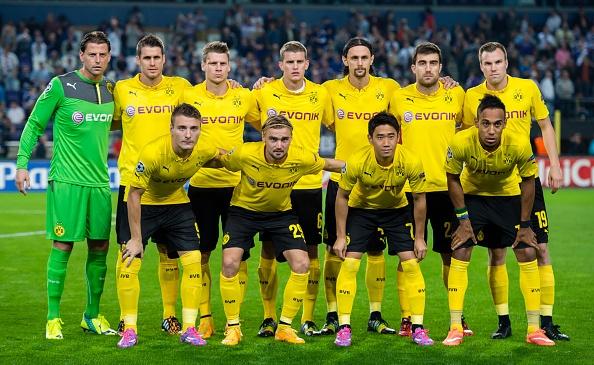 """10 CLB so huu doi hinh dat gia nhat the gioi hinh anh 9 Dù không phải là một đội bóng được coi là """"lắm tiền nhiều của"""", nhưng Dortmund cũng đang sở hữu một đội hình đắt giá, có tổng giá trị là 344,45 triệu euro. Các cầu thủ ngôi sao của họ bao gồm Marco Reus (55 triệu euro), Mats Hummels (35 triệu euro) và Henrikh Mkhitaryan (26 triệu euro)."""