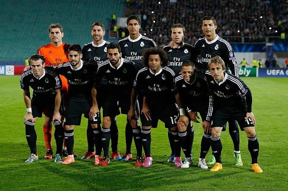 10 CLB so huu doi hinh dat gia nhat the gioi hinh anh 1 Với chính sách liên tục chiêu mộ những ngôi sao hàng đầu thế giới trong mỗi kỳ chuyển nhượng, không có gì bất ngờ khi Real Madrid là CLB sở hữu đội hình đắt giá nhất thế giới hiện nay, tới tổng giá trị được đánh giá là 673 triệu euro. Những ngôi sao đáng chú ý trong đội hình của họ gồm có Cristiano Ronaldo (100 triệu euro), Gareth Bale (80 triệu euro), James Rodriguez (60 triệu euro) và Luka Modric (55 triệu euro).