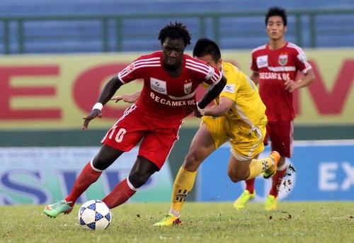 Binh Duong ha SLNA 1-0, Da Nang chua biet mui chien thang hinh anh