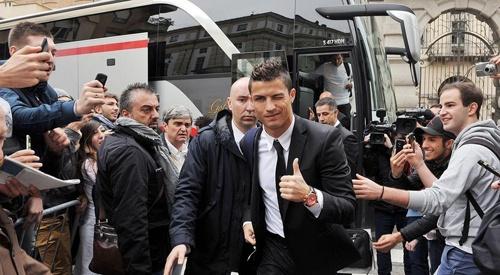 Ronaldo bat ngo tiet lo ben do tiep theo neu roi Real hinh anh
